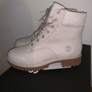 WOMENS TIMBERLANDS NEW SIZE 8